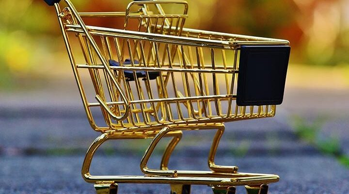 Her er en række gode råd til, hvordan du sparer penge på din shoppingtur